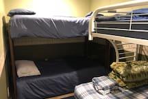 Bunk room sleeps 5