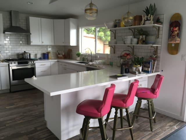 Modern kitchen & appliances