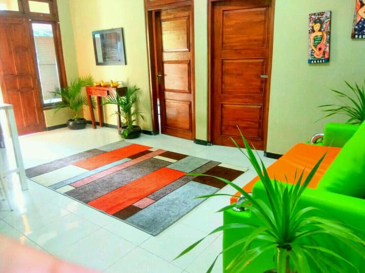 Private House 2rooms 5mnts Malioboro RM HOUSE 2