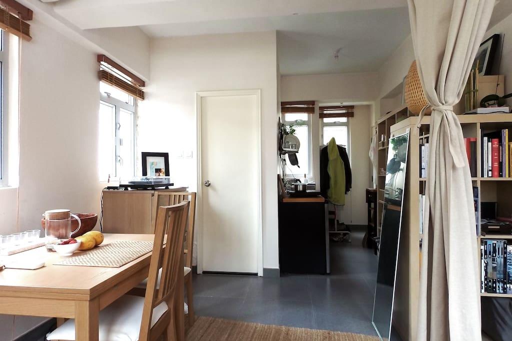 Cozy apt w roof 5min causeway bay appartements louer hong kong hong kong island hong kong - Farbiges modernes appartement hong kong ...
