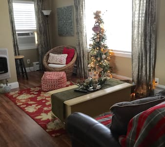 The Apartment at 217, A Vacation Rental, $125+ - Harrisburg