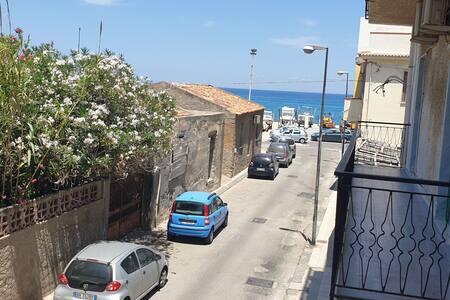Appartamento di 120 mq  sito  a 50 metri dal mare