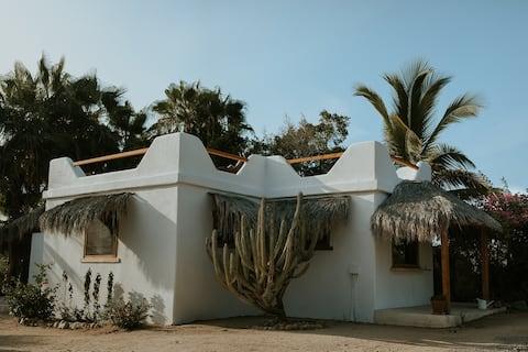 Villa Gardenia - Oceanfront Casa Studio @