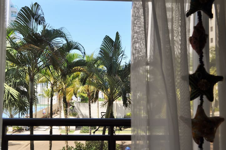 Apto Riviera em frente a Praia e preço acessível