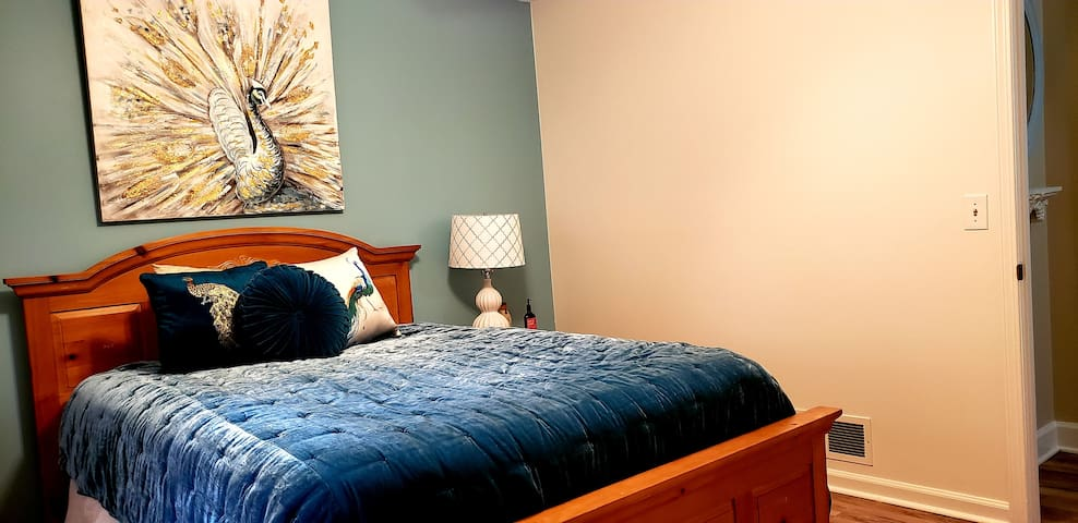 Second bedroom with queen-sized bed