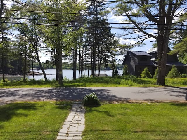 **NEW FOR 2020** HODGDON ISLAND RETREAT   BOOTHBAY, MAINE   CLOSE TO TOWN   WATER ACCESS VIA PRIVATE DOCK AND FLOAT