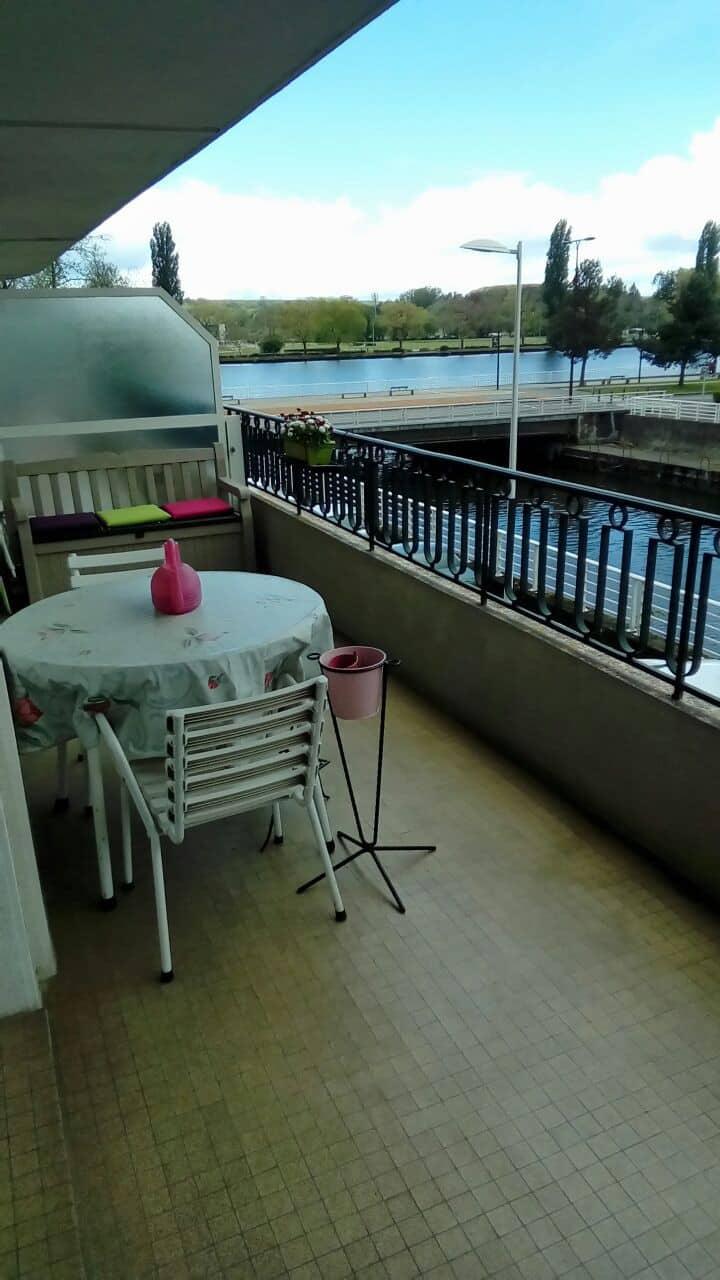 Joli F1 meublé avec terrasse idéal pour curistes