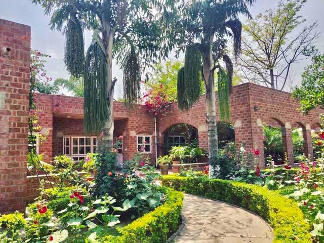 Stunning and comfortable farm stay near Delhi
