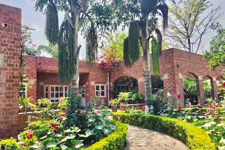 Stunning and comfortable farm stay near Delhi