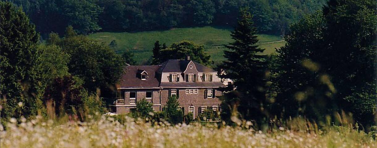 Gästehaus Hasenbüchel (Suite) - Overath - House