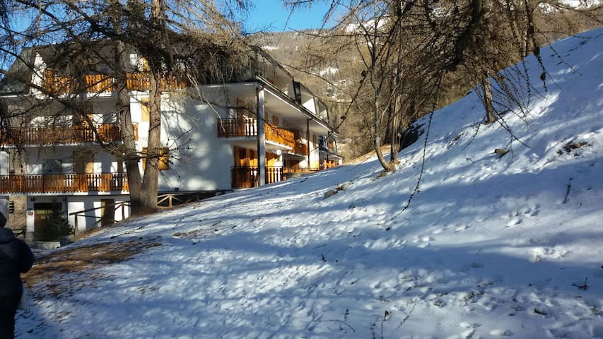Apartment near ski slopes - Sauze d'Oulx - Departamento