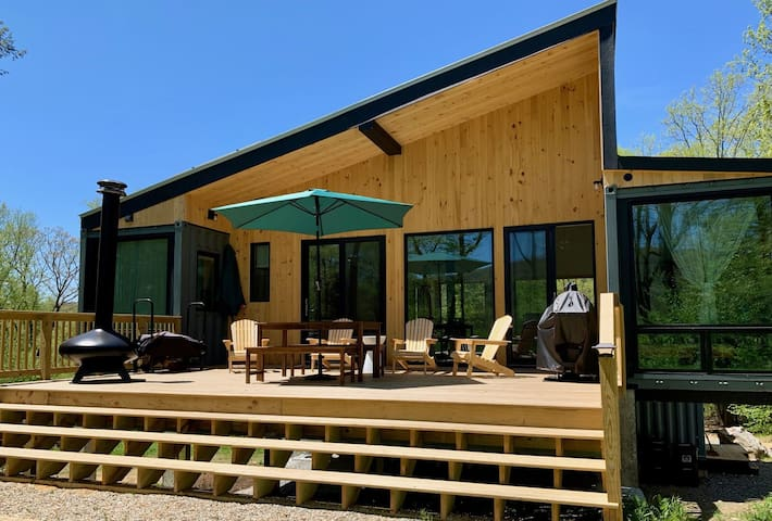 Dynamic Container House w/ 4beds/3baths