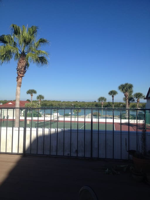 Swimming, kayaking or tennis are enjoyed by guests
