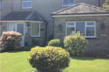Gwynfa Guest house is a real home from home. With two comfortable En-suite rooms. Only five minutes walk away from the town centre. Public transport such as Bus and Train stations close by for your convenience.