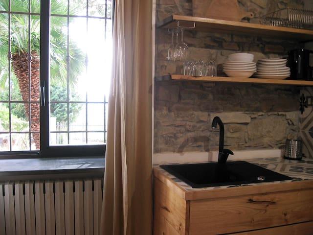 Eco friendly studio apt with view on Agropoli hill