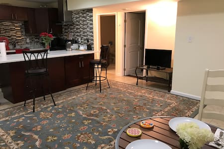 Entire Modern Newly Built Apartment 2BR Priv/entr. - Lilburn - Haus