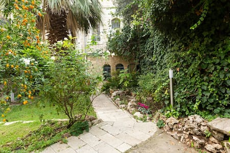 Beautiful villa with garden - heart of Jerusalem.