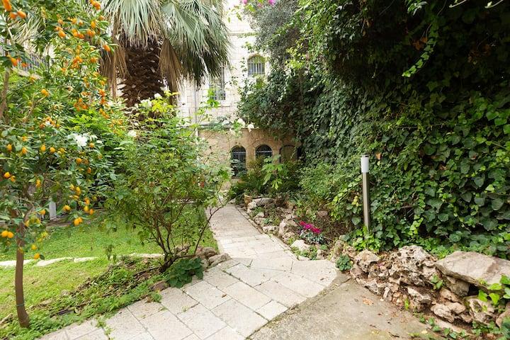 Beautiful villa with garden - heart of Jerusalem.