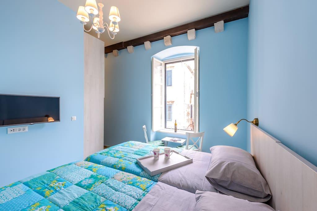Stradun view, new en suite bedroom, 2single or 1double bed