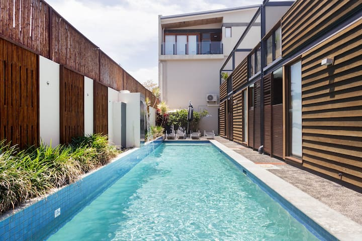 Exquisite Warehouse Apartment Close to Byron Bay Main Beach