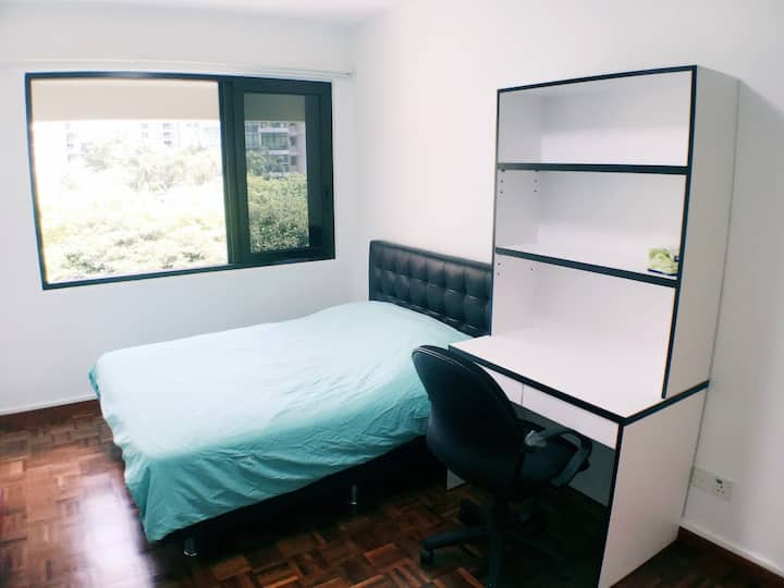 Clean&Spacious 3BRs Apt in city 靠近地铁3房宽敞公寓@nearMRT