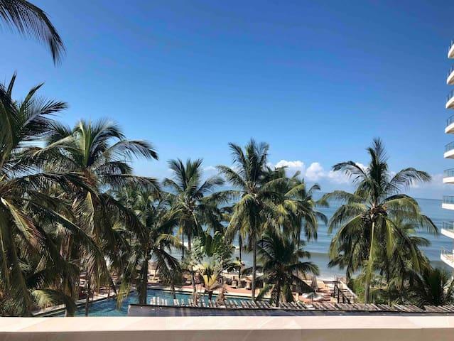 Modern Penthouse, great ocean view, suites Marina