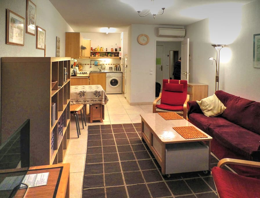 juan les pins wifi parking position merveilleuse appartements louer antibes provence. Black Bedroom Furniture Sets. Home Design Ideas