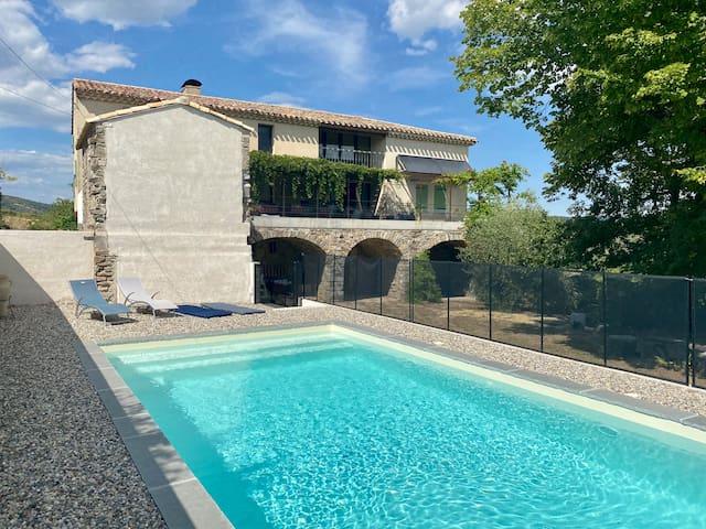 Maison famille 8p piscine privéé Ardèche Mirabel