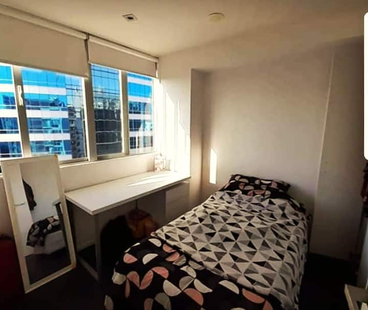 Single room great location and views Auckland city