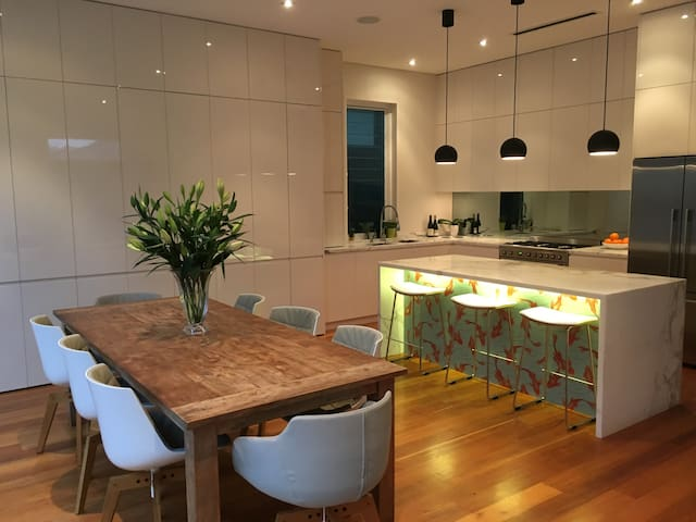 Beautiful fully renovated modern home Rozelle - Rozelle - House