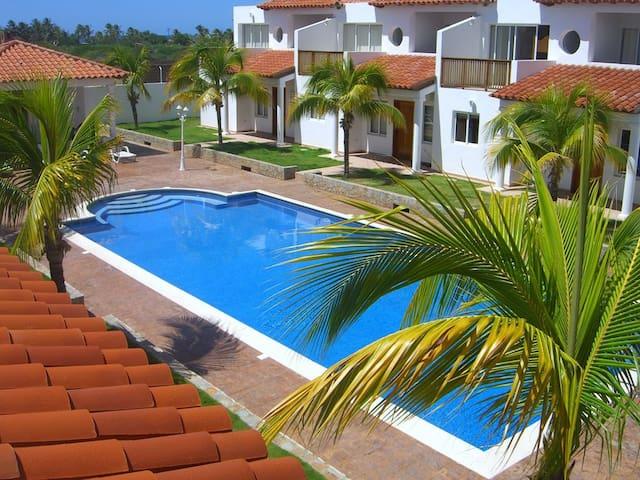 Playa El Agua Country Club - La Mira - Townhouse