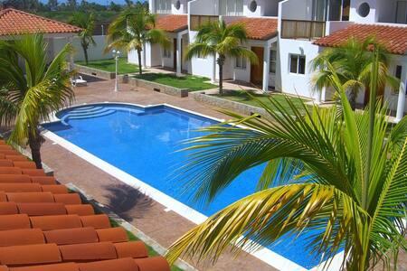 Playa El Agua Country Club - La Mira