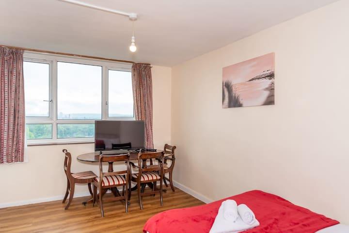 Spacious 11th Floor Double Room Private Balcony