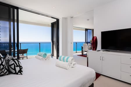 OPPOSITE  BEACH 2BED 2BATH FREEWIFI - Broadbeach - Apartment