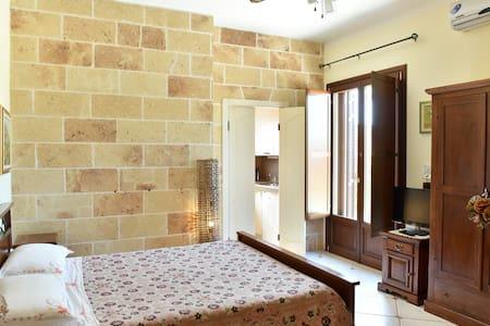 Rino's bedroom - Torretta - Manfredonia - Bed & Breakfast