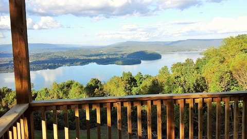 NO SUNDAY CHECK INS wow view, hottub TURKEY HOLLOW