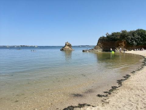 Mobil-home proche de la mer, au calme.