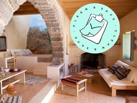 【IN THE SPIRIT OF CONFORT】Rural stone house | WiFi