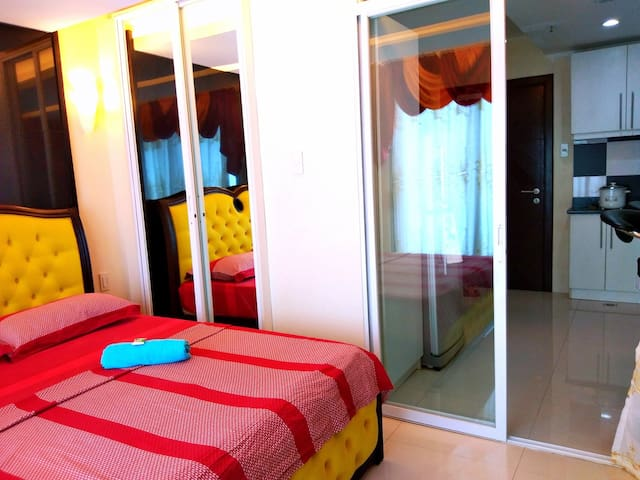 Whole unit with balcony in the Heart of Cebu!