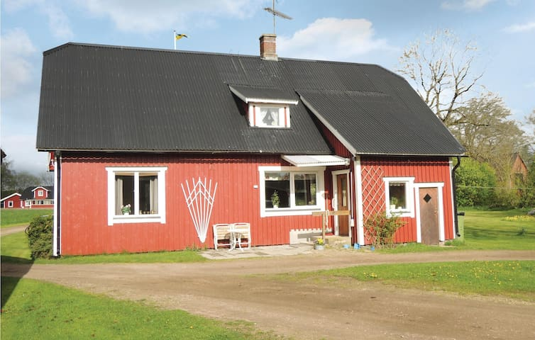Holiday cottage with 3 bedrooms on 82 m² in Knäred