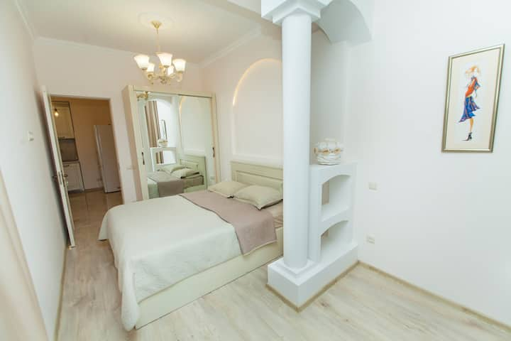 Apartment with beautiful arches in Tbilisi