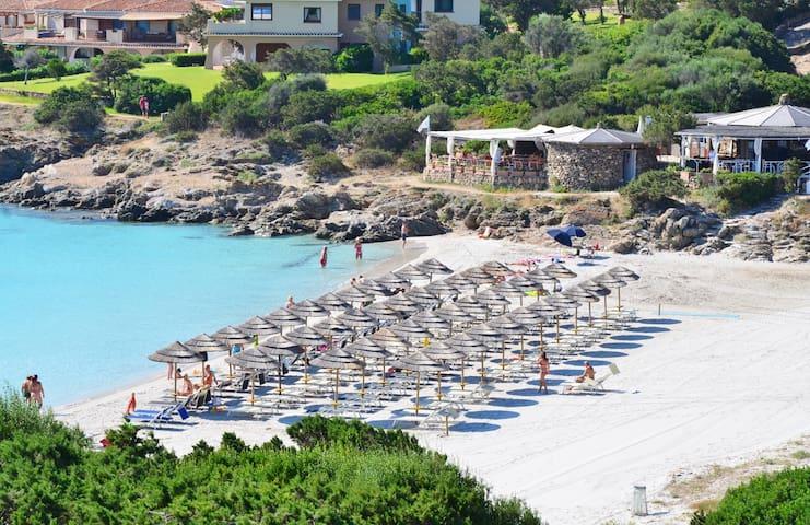 Beachfront villetta_30m from water_garden_WiFi