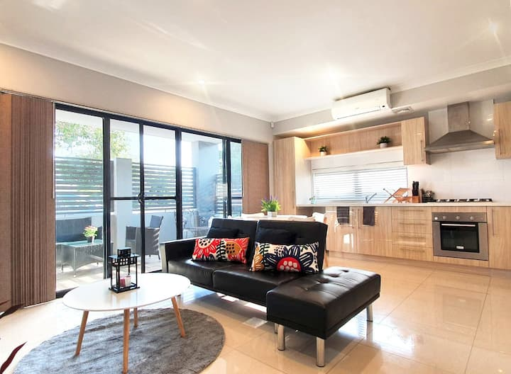 ⭐Modern Chic Apt with unlimited Wifi and Netflix