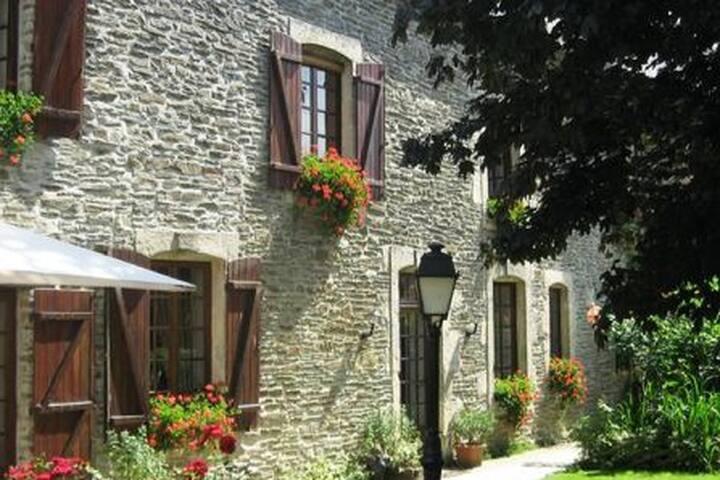 La Ferme du Pressoir,   Bandbnormandie    Bayeux
