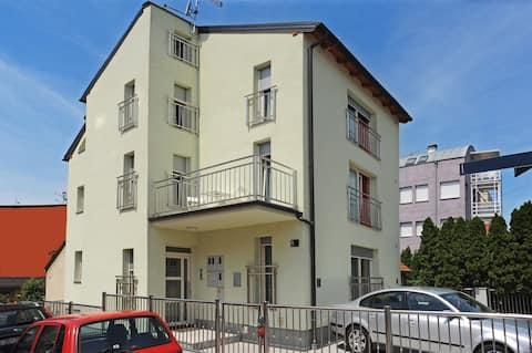 UNA APARTMENTS ZG II (on the second floor)