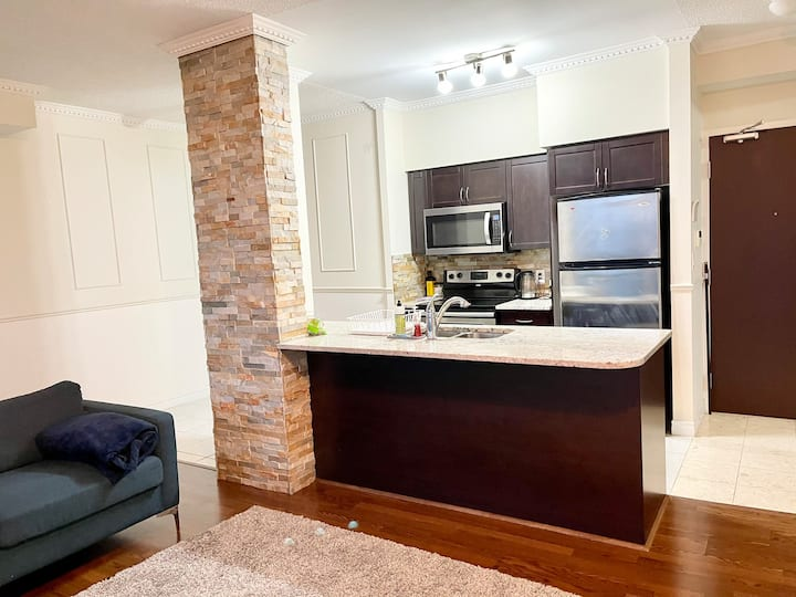 ⭐️Luxury⭐️Spacious 1 bedroom condo📍SQ1  W/ views👀