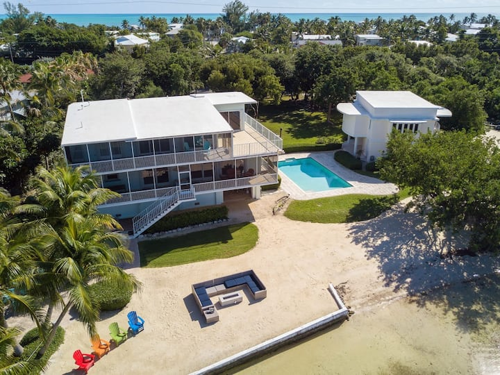 """The """"Designated Paradise"""" - let this Bayside Estate take your breath away"""