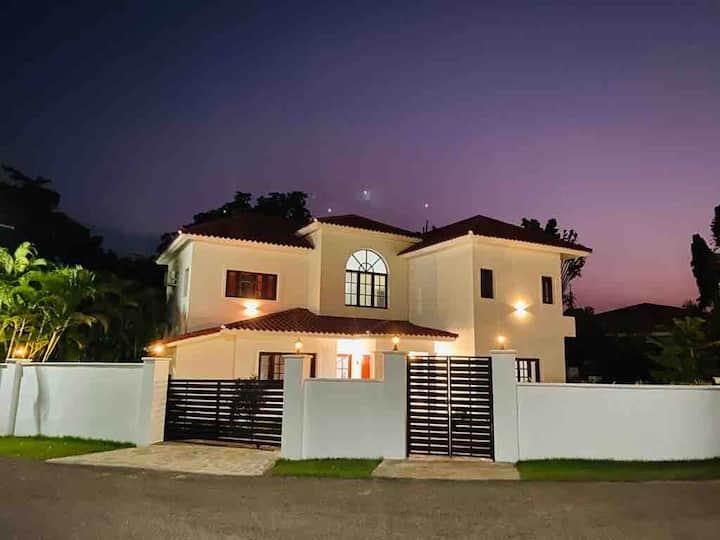Guest Friendly Private Beach villa · 3 bedrooms