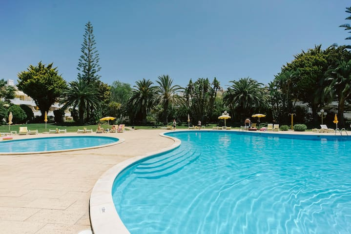 Office & Home: Stunning Apartment in Vilamoura.