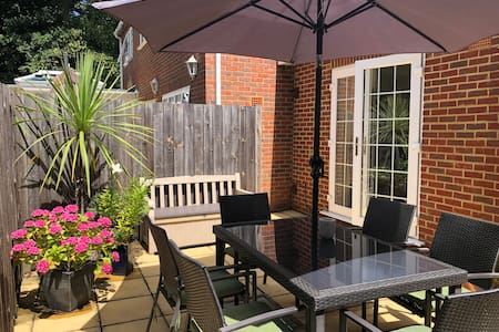 """Sun Terrace Lodge"" Weybridge"